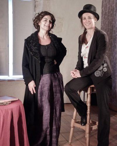 La comédienne, Dominique Bru avec la metteur en scène, Isabelle Poulain